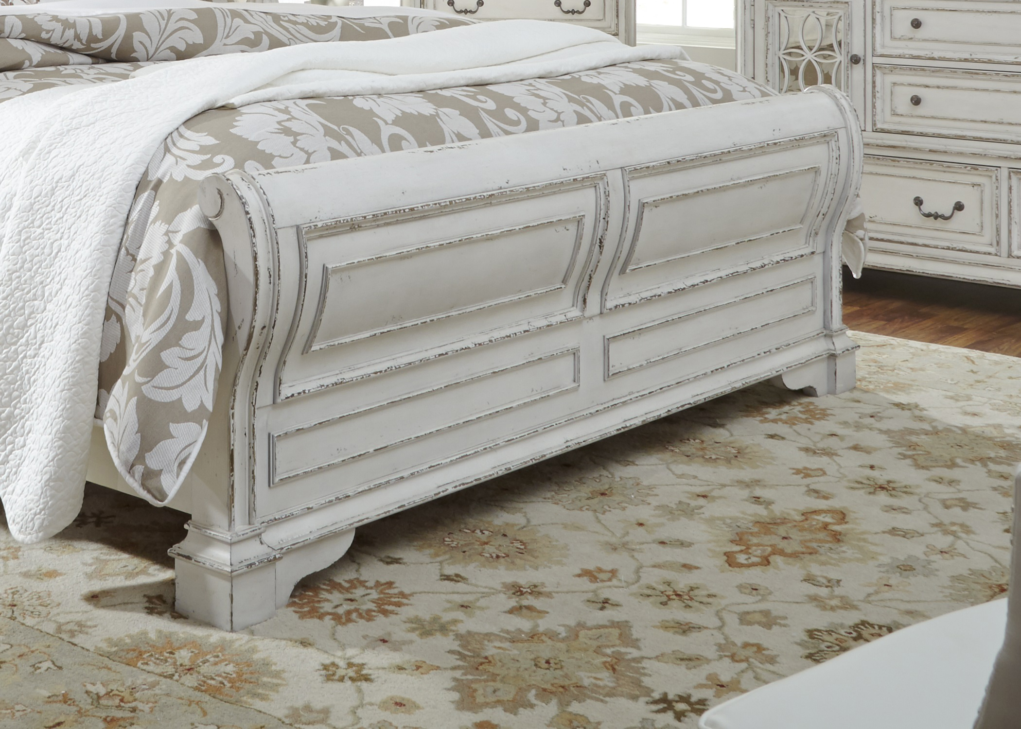 Elizabeth Bed Pic 2 ( Heading Sleigh Bed )