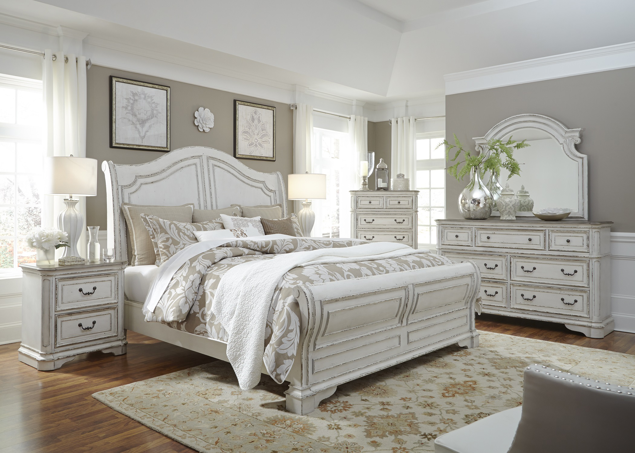 Elizabeth Bedroom Collection
