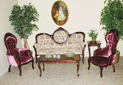 Queen Anne Sofa Set